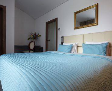 ...  Rastislavova_Comfort_One_Bedroom_Apartment_with_Fireplace_02_zoerentals_property  ...